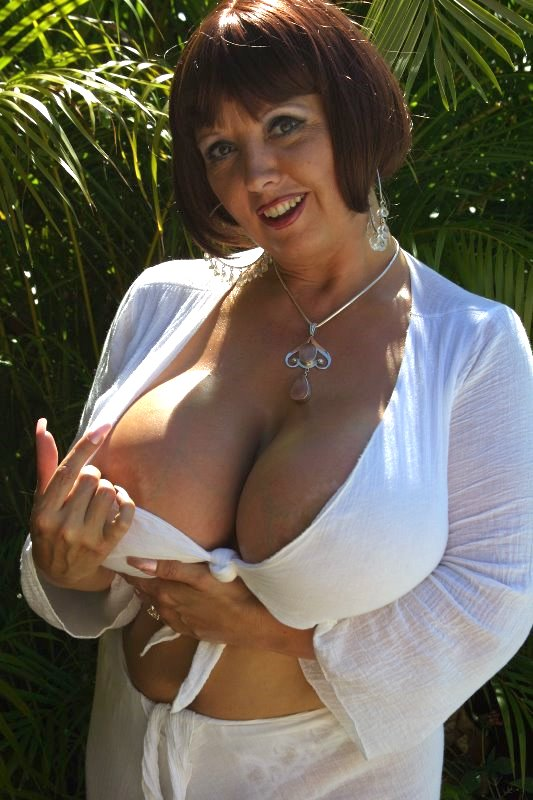 Busty cum drenched
